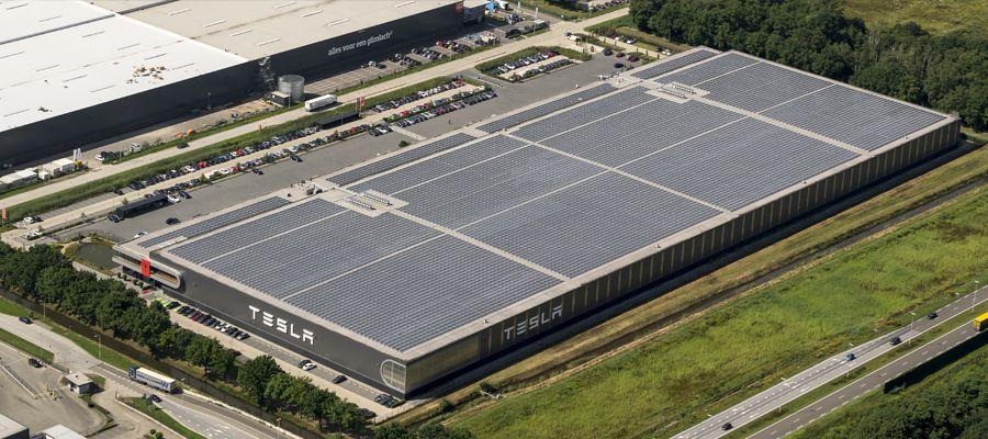 Tesla Motors assembly car factory